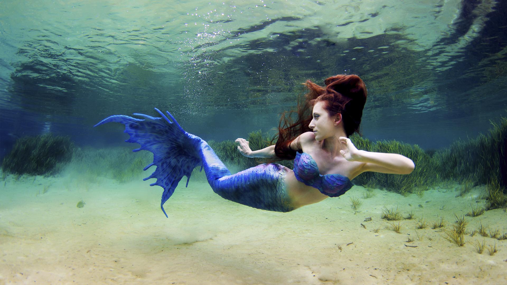 купюру ещё красивые картинки под водой с человеком русалкой обрезку наобум