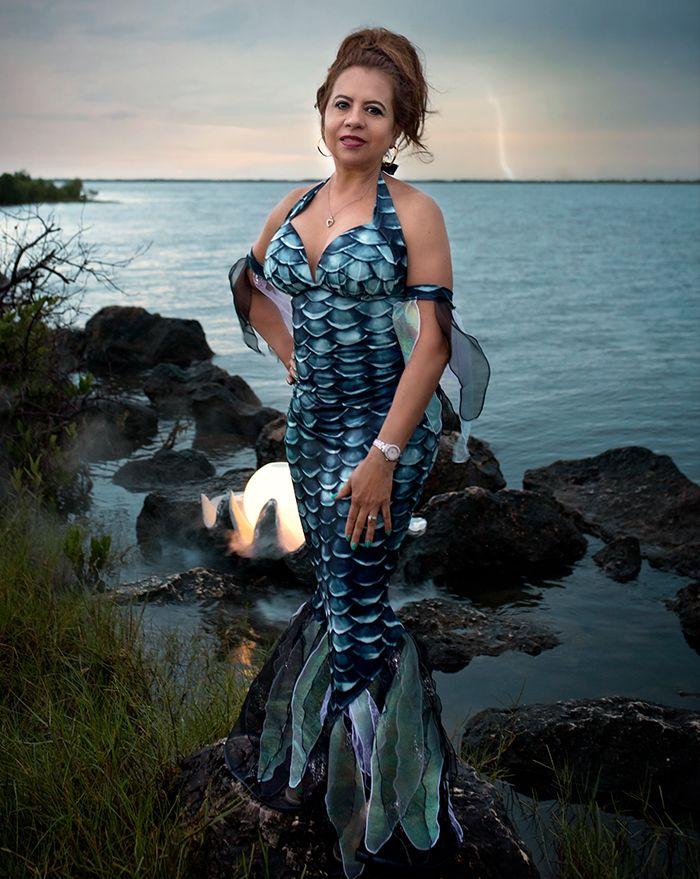Black Pearl Mermaid Witch Costume