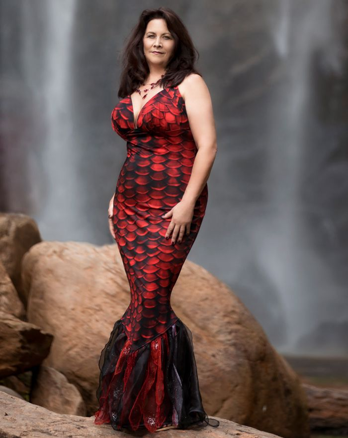 Red Sea Mermaid Witch Costume